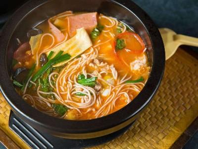 过桥米线汤底,过桥米线配料尽在青岛大厨四宝