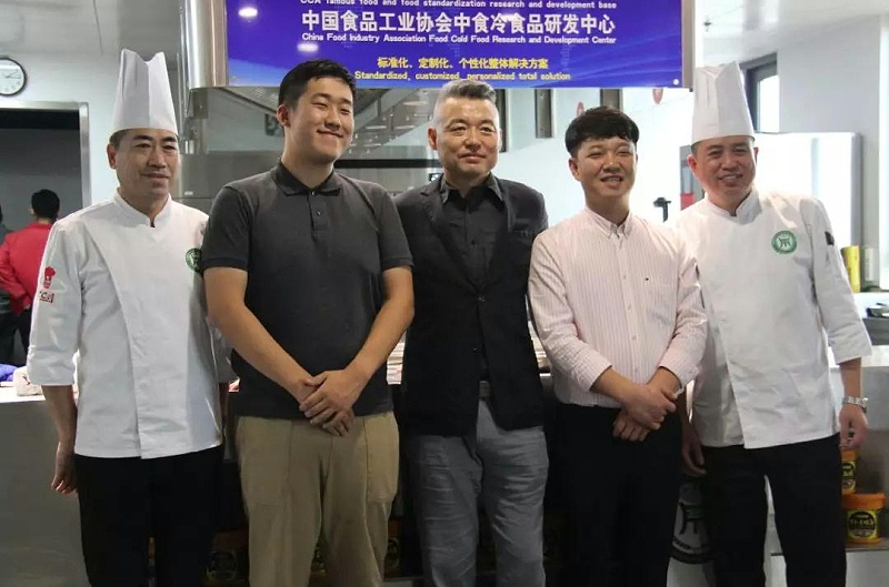 大厨四宝迎来韩国电视台记者